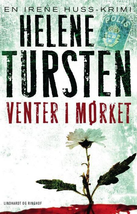 Venter i mørket af Helene Tursten
