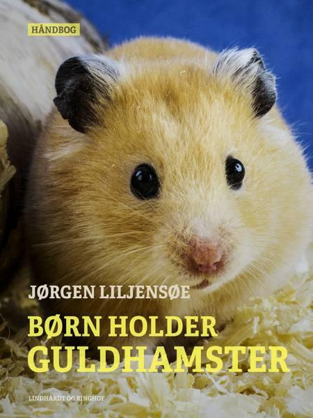 Børn holder guldhamster af Jørgen Liljensøe