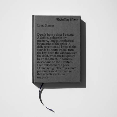 Reflecting Home af Laura Stamer