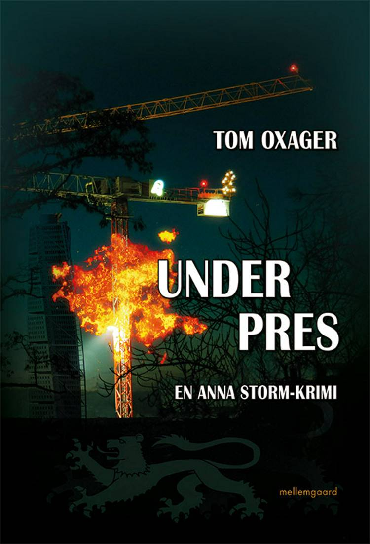 Under pres af Tom Oxager