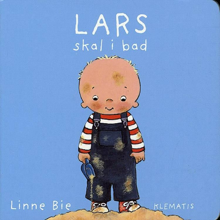 Lars skal i bad af Linne Bie