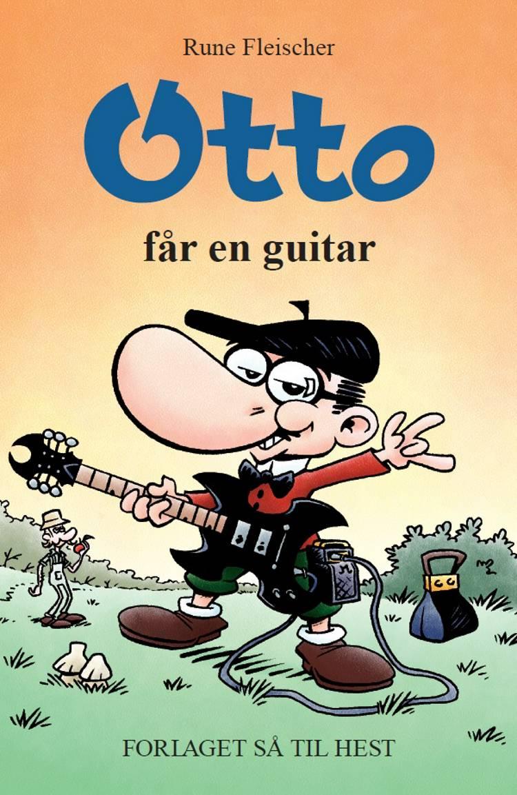 Otto får en guitar af Rune Fleischer