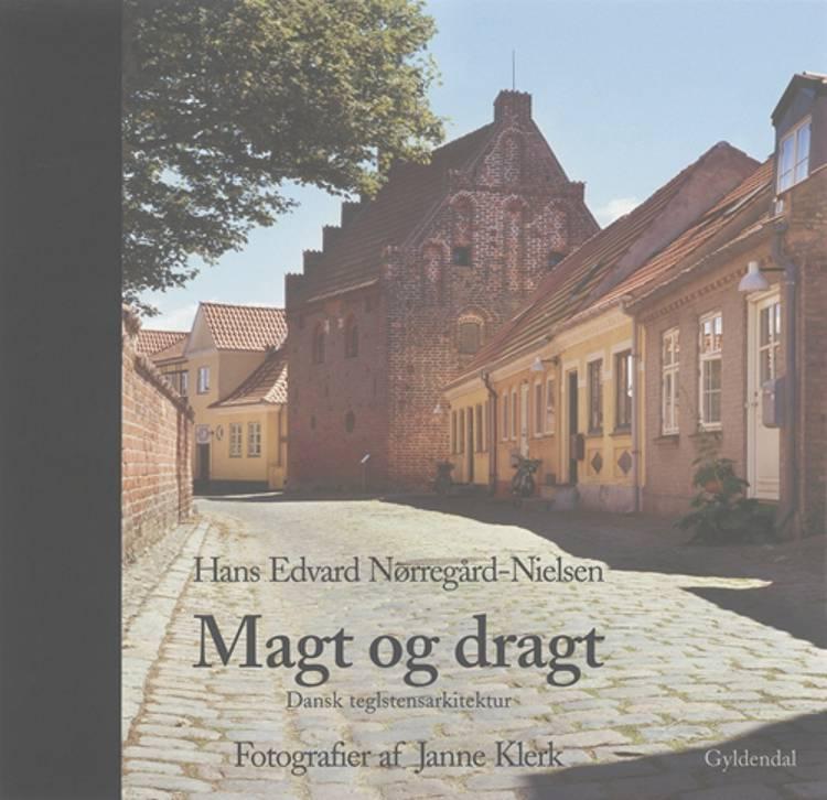 Magt og dragt af Hans Edvard Nørregård-Nielsen