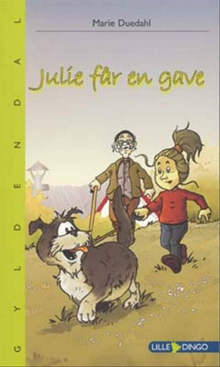 Julie får en gave af Marie Duedahl